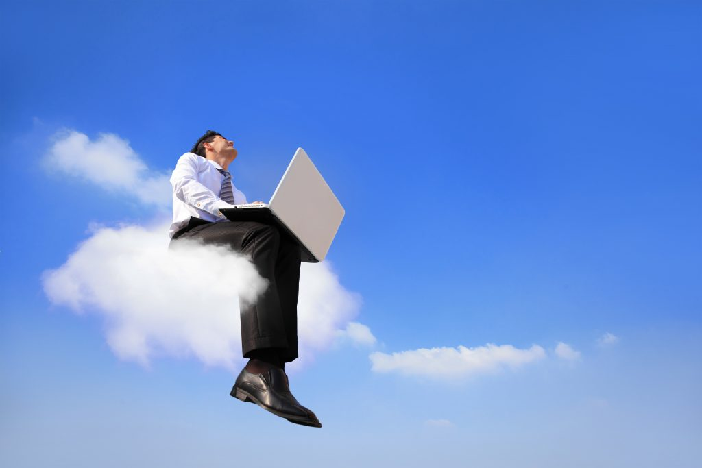 Cloud office vs traditional IT differences